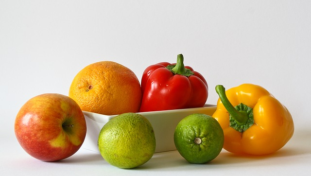 Simple Trick Removes Pesticides from Your Vegetables & Fruits