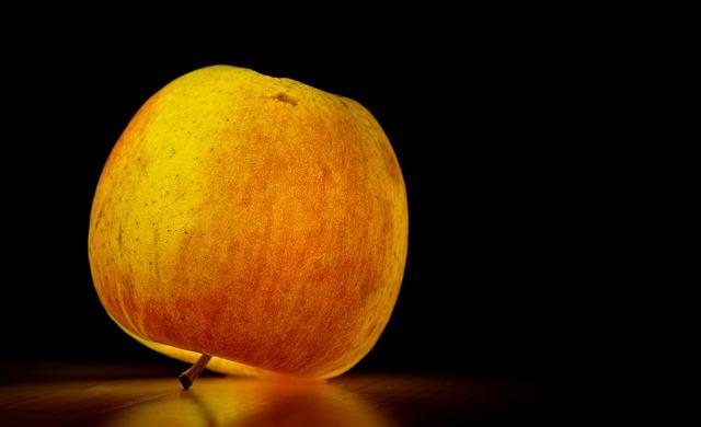 apple-195628_640