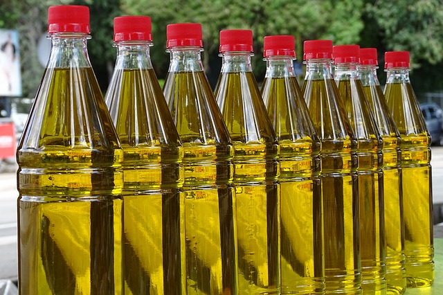 How One Tablespoon of Extra Virgin Olive Oil Daily Affects Your Health