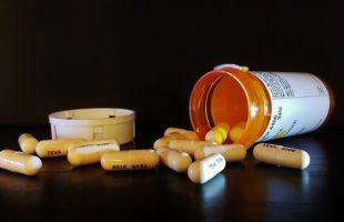 FDA ADMITS Your Antibiotics are HIGHLY DANGEROUS. They Can Cause Brain Damage and Even Death